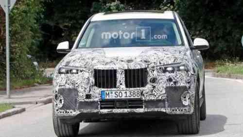 BMW X7 «показал» серийную светодиодную оптику
