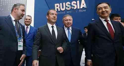 Дмитрий Медведев посетил выставку ЭКСПО