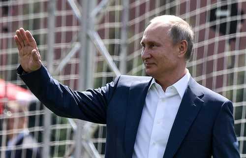 Путин поздравил сборную России по футболу с победой в 1/8 финала ЧМ над Испанией