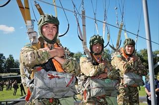 Казахстанские десантники начали подготовку к первому этапу конкурса «Десантный взвод» (фото)
